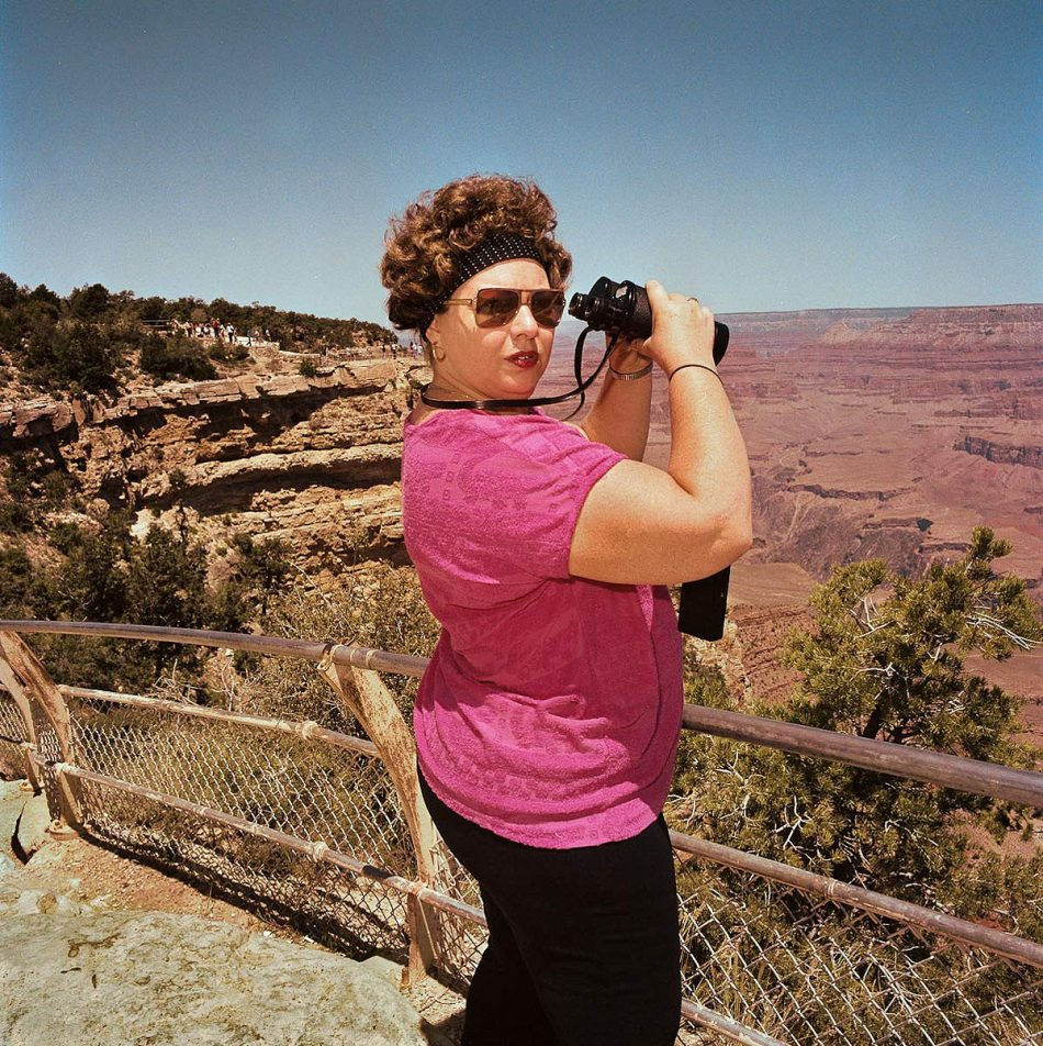 roger-minnick-woman-with-binoculars-at-south-rim-grand-canyon-national-park-az-1980